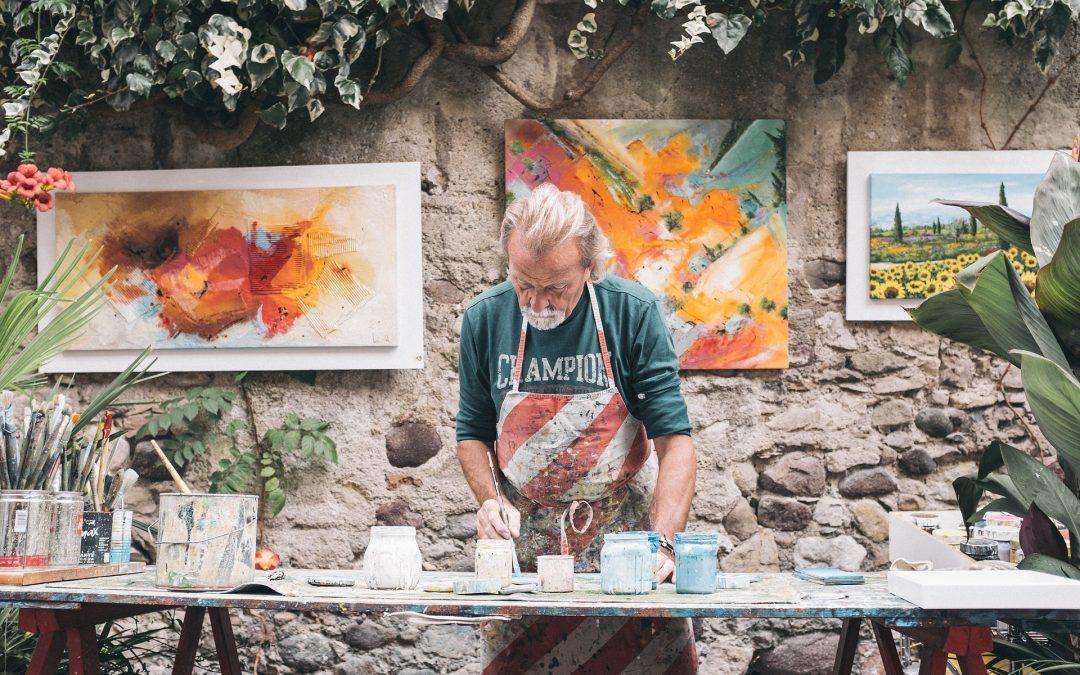En España, se penaliza ejercer de artista después de la jubilación